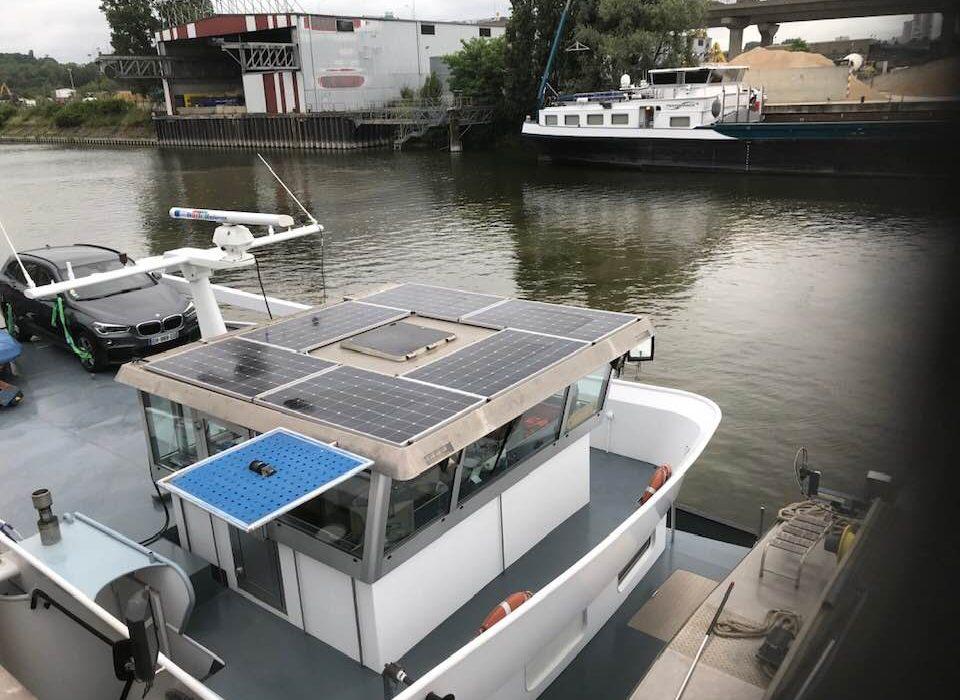 Transition Ecologique Les Panneaux Solaires Une Source D Energie Zero Emissions Pour Les Bateaux De Fret E2f Entreprises Fluviales De France